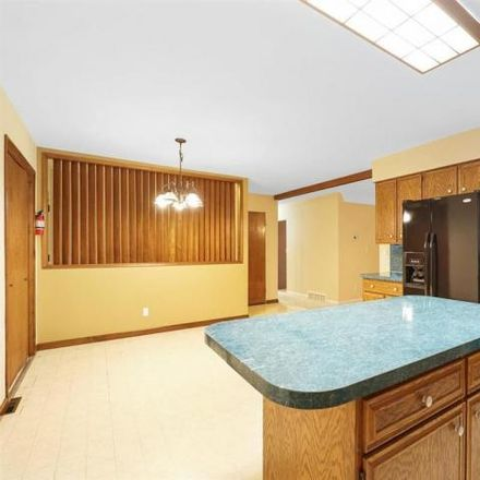 Rent this 3 bed house on 6351 Dewhirst Drive in Saginaw Charter Township, MI 48638