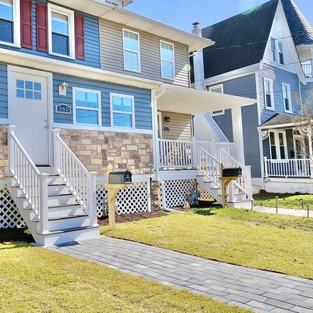 Rent this 3 bed townhouse on 560 Mohawk Avenue in Norwood, PA 19074
