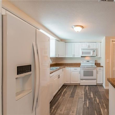 Rent this 3 bed house on West Grapefruit Circle in Clearwater, FL 33759