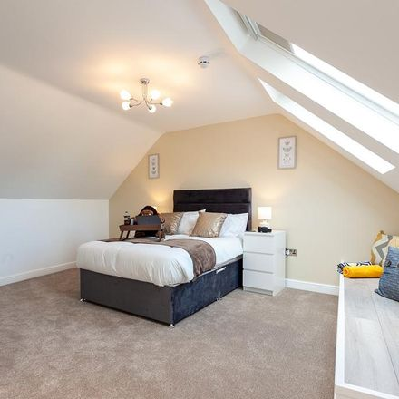 Rent this 1 bed room on School Court in Stockport SK3 8JE, United Kingdom