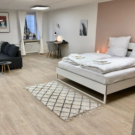 Rent this 6 bed apartment on Holzdamm 40 in 20099 Hamburg, Germany