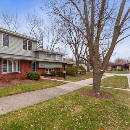 Rent this 5 bed house on 1240 Basswood Drive in Naperville, IL 60540
