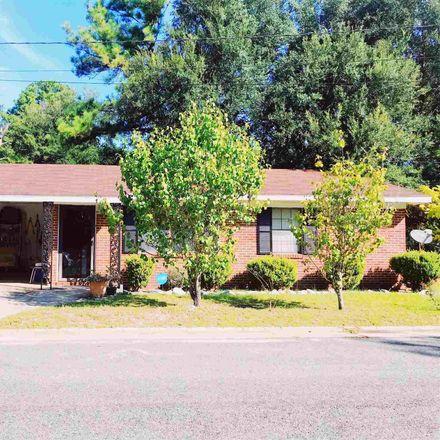 Rent this 3 bed house on 5 Mary Street in Hazlehurst, GA 31539