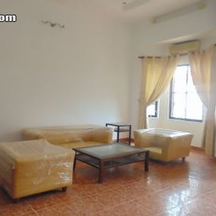 Rent this 3 bed house on Stop and Go in 77, Phan Chu Trinh Street