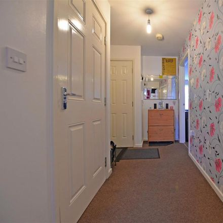Rent this 2 bed apartment on Cemetery Road in Gateshead NE8 4BJ, United Kingdom