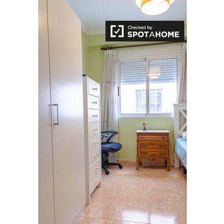 Rent this 2 bed apartment on Kristina decoración in Carrer de Veneçuela, 46017 Valencia