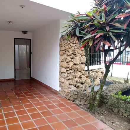Rent this 4 bed apartment on Carrera 74 in Comuna 17, Perímetro Urbano Santiago de Cali