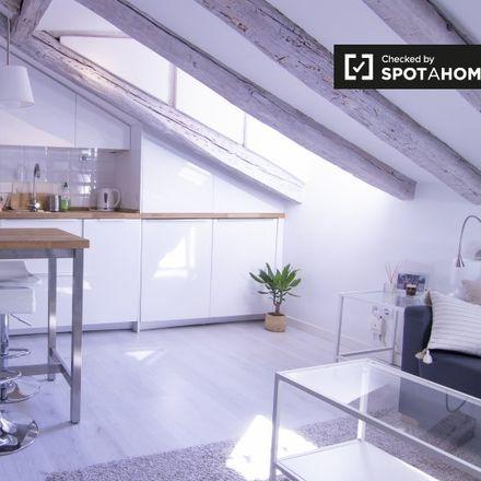 Rent this 1 bed apartment on Palacio de la Infanta Carlota in Calle de la Luna, 32