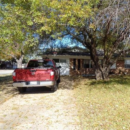 Rent this 4 bed house on 509 West Pelton Street in Sherman, TX 75092