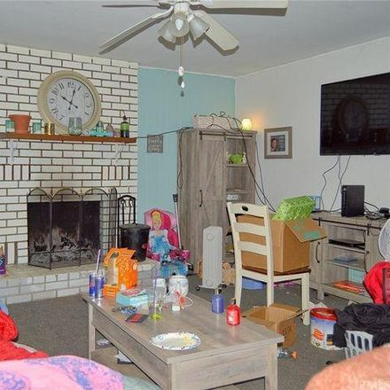 Rent this 2 bed house on 15146 Woodside Drive in Clearlake, CA 95422