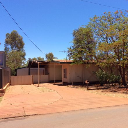 Rent this 3 bed house on 32 MINDARRA DRIVE