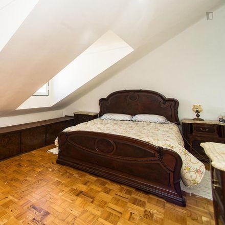 Rent this 3 bed room on Pensão Residencial Norte in Rua dos Douradores 159-161, 1100-203 Santa Maria Maior