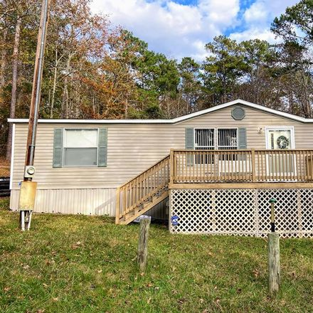 Rent this 3 bed house on 569 Singer Ln in Abbeville, AL
