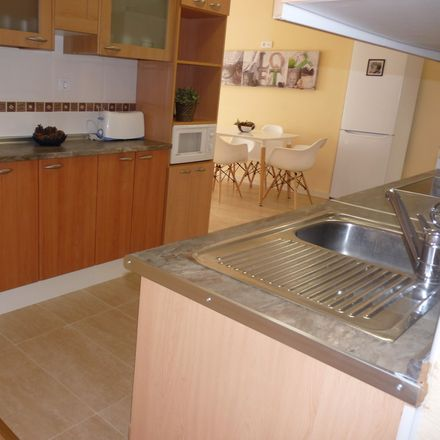 Rent this 6 bed room on Tabacos in Calle Pizarro, 28902 Getafe