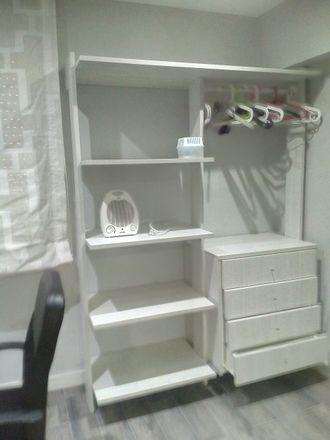 Rent this 3 bed room on Carrer de Campillo de Altobuey in 46022 València, Valencia