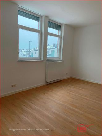 Rent this 2 bed apartment on 66953
