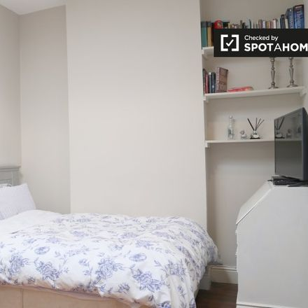 Rent this 6 bed apartment on Clontarf East C ED in Dublin, County Dublin