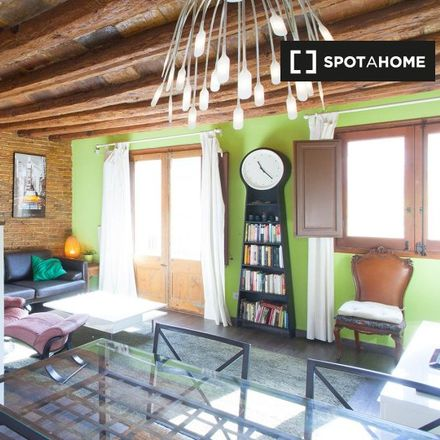 Rent this 1 bed apartment on Montfalcon in Carrer dels Boters, 4