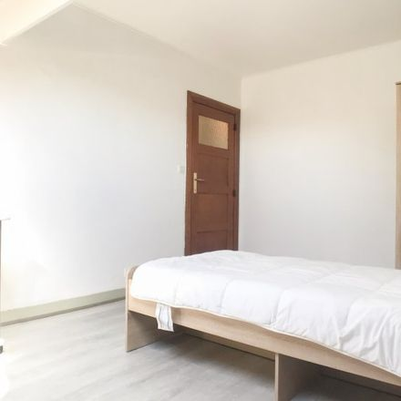 Rent this 2 bed apartment on Rue de la Sincérité - Oprechtheidsstraat 26 in 1070 Anderlecht, Belgium