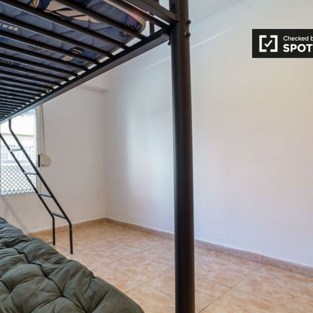 Rent this 3 bed apartment on Carrer de Joan Josep Sister in 46024 Valencia, Spain