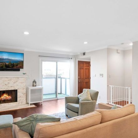 Rent this 2 bed townhouse on 1611 Granville Avenue in Los Angeles, CA 90025