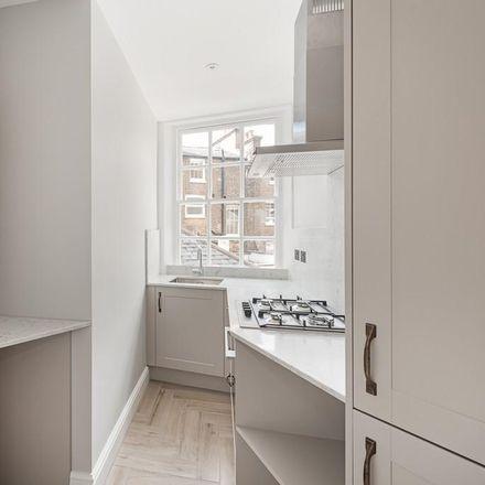 Rent this 1 bed apartment on Medi spa in 29 Kensington Church Street, London W8 4LL