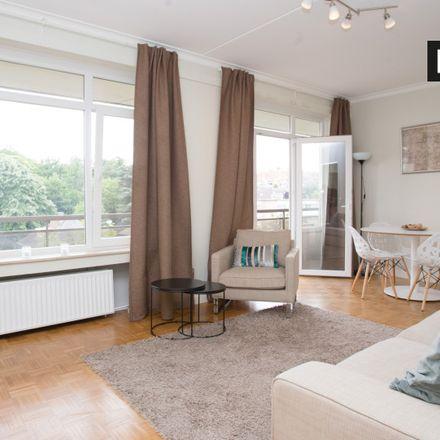 Rent this 1 bed apartment on Église adventiste de Woluwé in Avenue des Îles d'Or - Goudeneilandenlaan 15, 1200 Woluwe-Saint-Lambert - Sint-Lambrechts-Woluwe