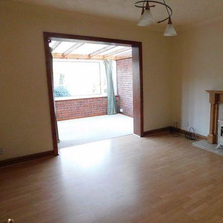 Rent this 3 bed house on Esgob Morgan Junior in Ffordd Siarl, St Asaph LL17 0PT
