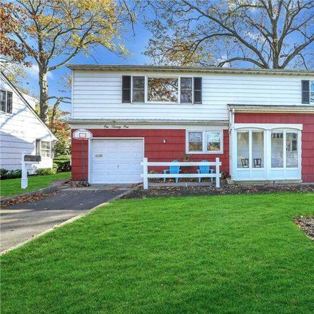 Rent this 5 bed house on 121 Gates Avenue in Hempstead, NY 11565