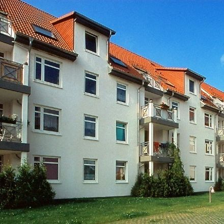 Rent this 2 bed apartment on Rotdornstraße 4 in 17033 Neubrandenburg, Germany