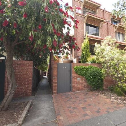 Rent this 2 bed townhouse on 3/ 55 MacKinnon Parade