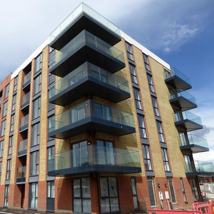 Rent this 2 bed apartment on 6 Oscar Wilde Road in Reading RG1 3FG, United Kingdom