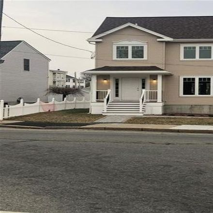 Rent this 3 bed house on 1085 Dexter Street in Central Falls, RI 02863