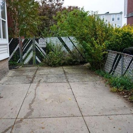 Rent this 4 bed condo on Gray Manor Apartments in North 8th Street, Philadelphia