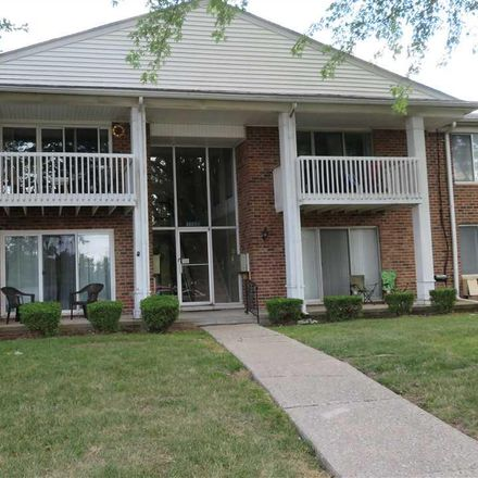 Rent this 2 bed condo on 16890 Edloytom Way in Clinton, MI 48038