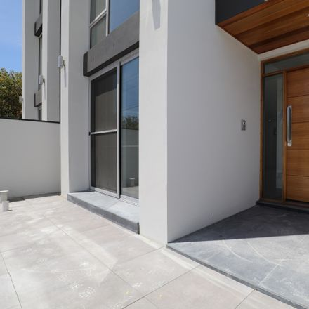 Rent this 5 bed townhouse on 114 MacArthur Avenue