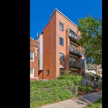 Rent this 3 bed condo on North Winthrop Avenue in Chicago, IL 60660