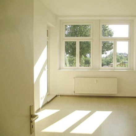 Rent this 2 bed apartment on Olvenstedter Chaussee 14 in 39108 Magdeburg, Germany