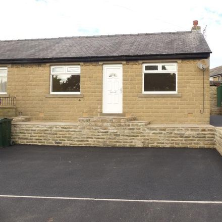 Rent this 2 bed house on The Co-operative Food in Spencer Avenue, Bradford BD20 9NU