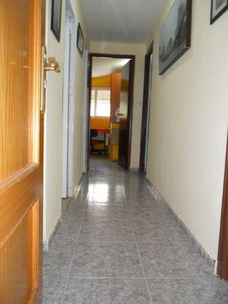 Rent this 3 bed room on Calle Ferrándiz in 71, 29016 Málaga