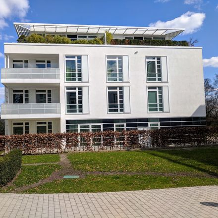 Rent this 3 bed townhouse on Harvestehuder Weg 36 A in 20149 Hamburg, Germany