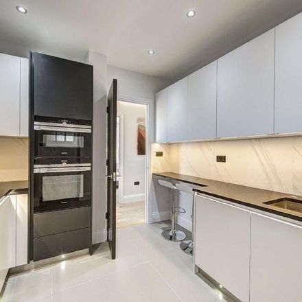 Rent this 2 bed apartment on Eyre Court in 3-21 Finchley Road, London NW8 6DN