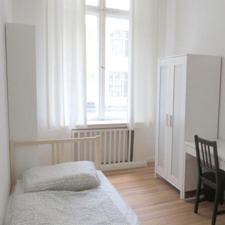 Rent this 5 bed room on Meininger Hotel Berlin Tempelhofer Ufer in Tempelhofer Ufer 10, 10963 Berlin