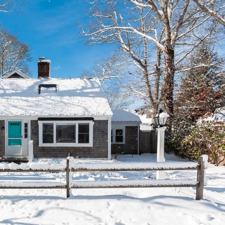 Rent this 4 bed house on 11 Cumner Street in Barnstable, MA 02601-5542