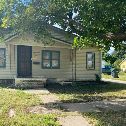 Rent this 2 bed house on 2801 Avenue N in Fort Madison, IA 52627