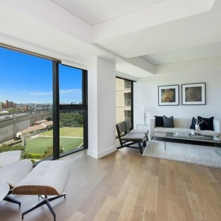 Rent this 1 bed apartment on 711/80 Alfred Street