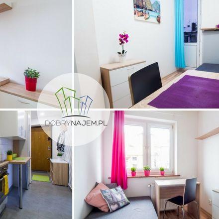 Rent this 9 bed room on Królewska 30 in 30-045 Krakow, Poland