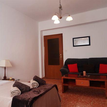 Rent this 4 bed room on Calle Santiago in 18009 Granada, Spain