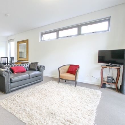 Rent this 1 bed apartment on 15/331 Miller St