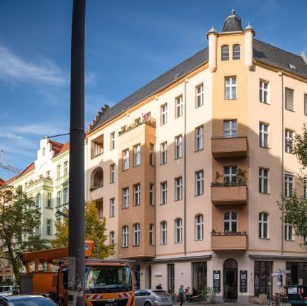 Rent this 3 bed apartment on Merseburger Straße 15 in 10823 Berlin, Germany